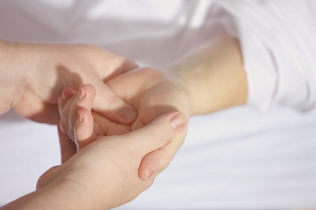 Akupressur Massage Hand