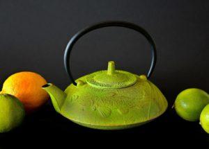 Natürliche Wachmacher Obst Teekanne